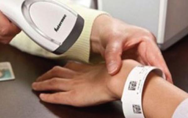 Scannen eines RFID Armbands